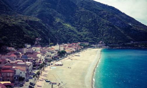 SS18, Scilla, Calabria, Italia