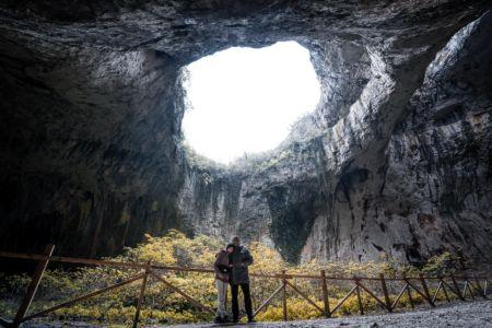 Bulgaria, Devetashka Caves, Devetaki - GPS (43,236093; 24,882973)