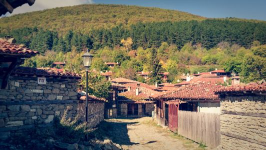 Bulgaria, Zheravna Historic Village - GPS (42,833570; 26,458861)
