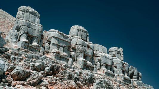 Turkey, 7 Statues Of Nemrut - GPS (37,982679; 38,742551)