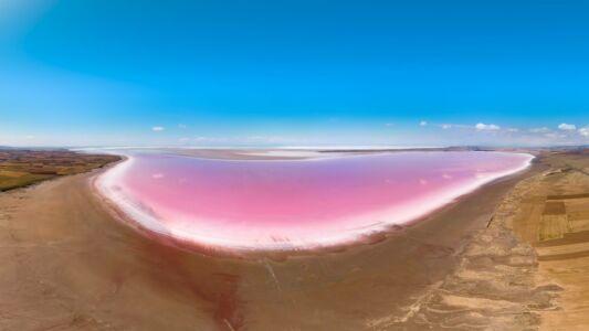 Turkey, Tuz Gölu Salt Lake - GPS (38,771730; 33,639253)
