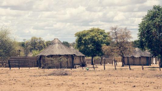 Xhauga, Botswana, GPS (-18,421434; 21,862625)
